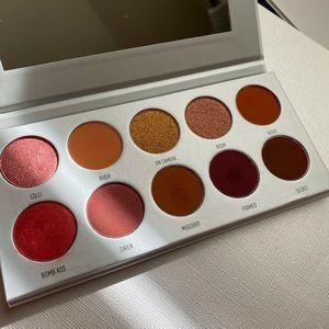 Morphe Jackyn Hill RingThe Alarm eyeshadow palette